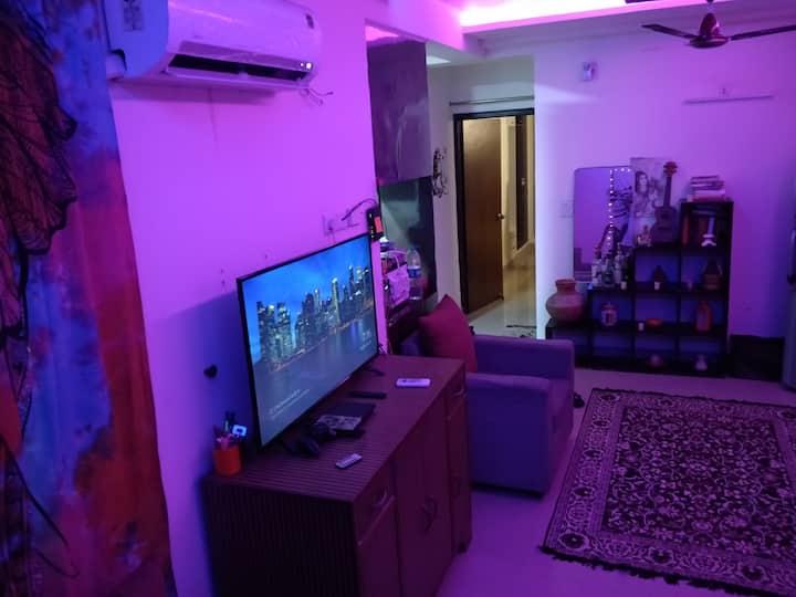 Paul's Home - Relaxing&Work Safari ( Master Room)