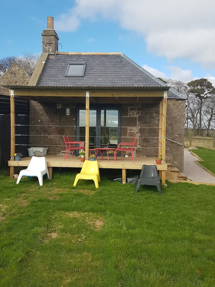 Chapelton Bothy - Original granite bothy