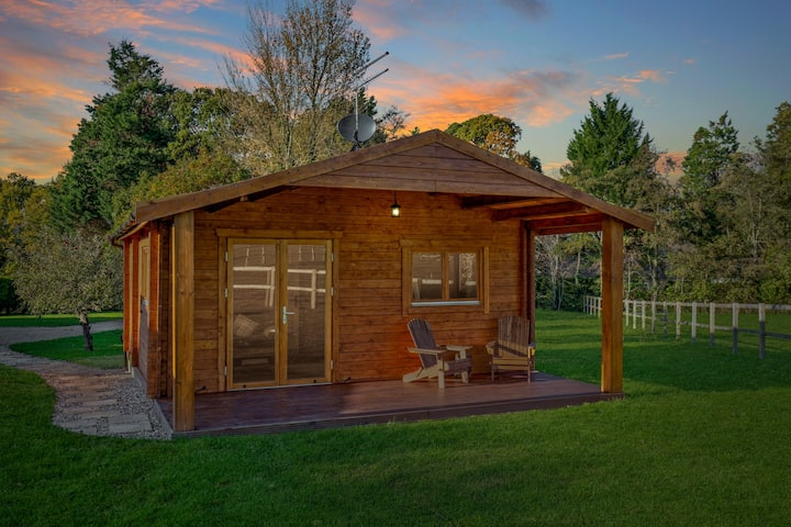 Rural self contained cabin retreat