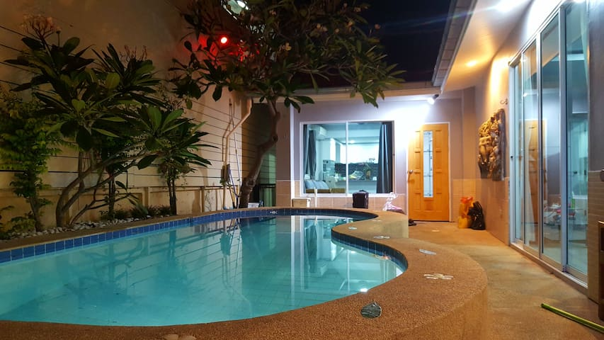 3BR Pool Villa near walking street