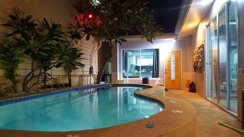 3BR Pool Villa near walking street - Muang Pattaya - House