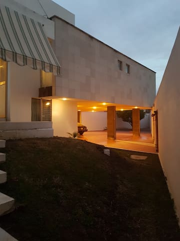WONDERFUL House Near POLIFORUM & HISTORIC CENTER - León - House