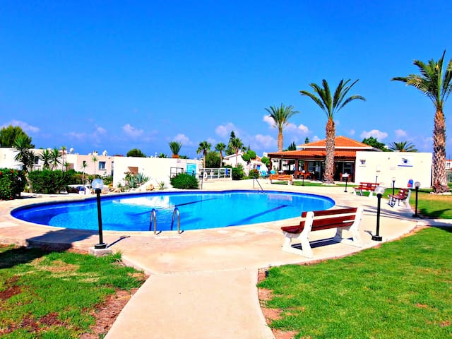 Coral Bay - 1 Bed Apartment Prime T - Paphos - Apartemen