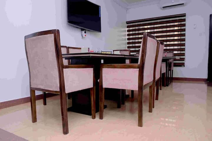 FOOD, PRIVATE LOUNGE, AMBIANCE, SIT-OUT LOUNGE