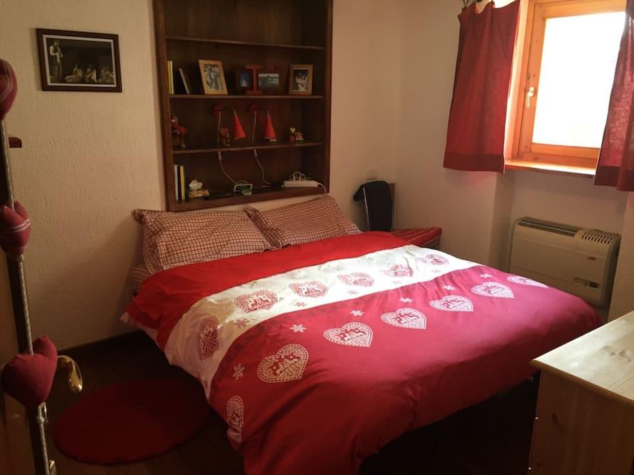 la romantica camera da letto matrimoniale