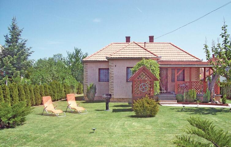 Holiday cottage with 3 bedrooms on 68m² in Balatonfenyves