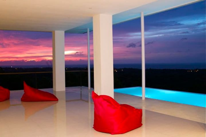 "Amazing Villa ""THE ARTIST DREAM"" - Kuta Selatan - Дом"