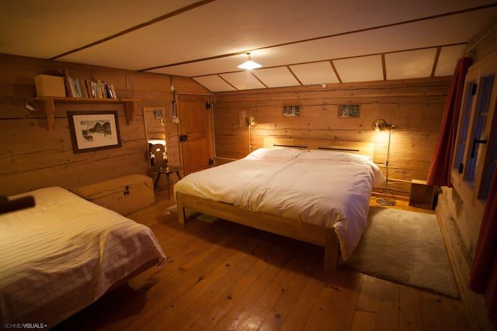 Schlafzimmer , bedroom (C+B)