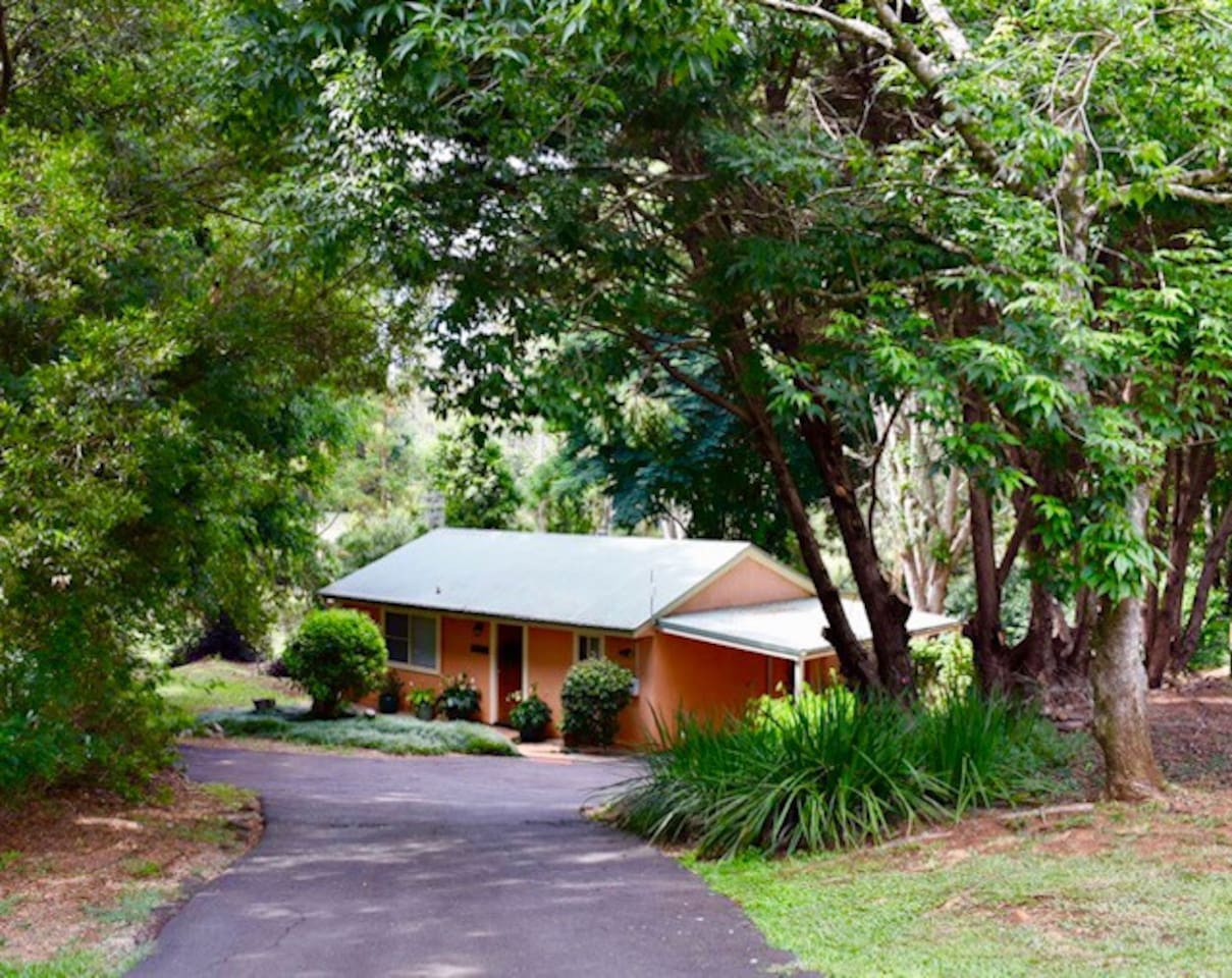 Hidden away down a private country laneway you'll have complete privacy during your stay