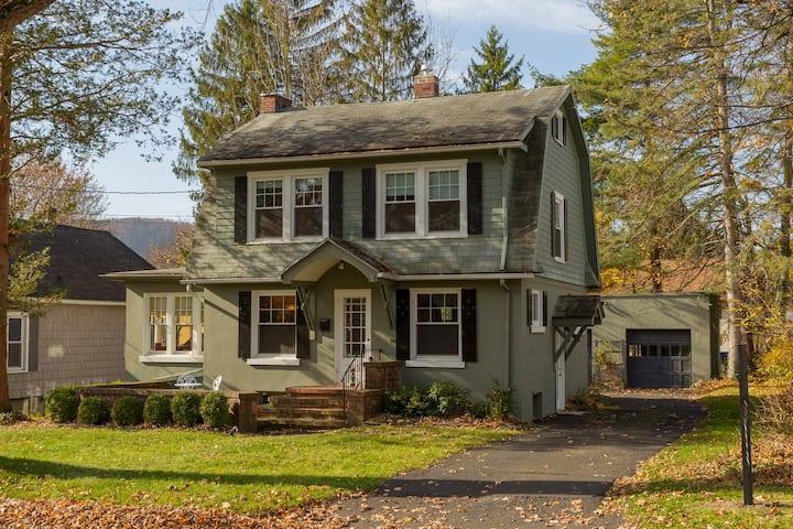 Enchanted Cottage on Glen