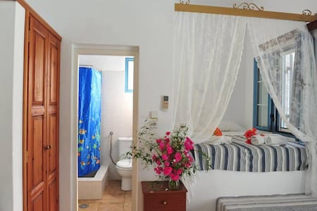 Studio 1 on the Beach of Lampi, Patmos® (official)