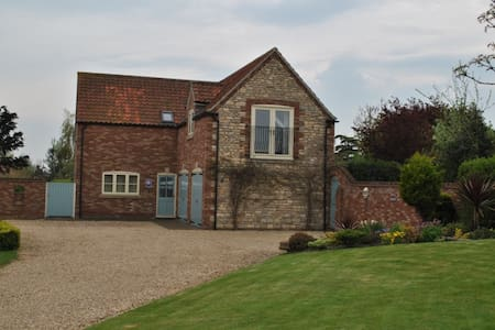 Ashes Lodge: House with 3 ensuite bedrooms - Allington - Casa