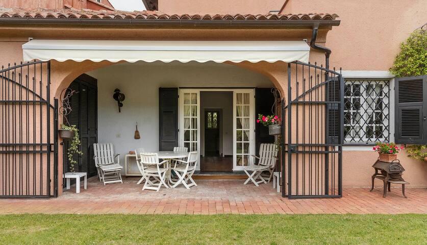 Beautiful Italian residence, Golf and Riviera