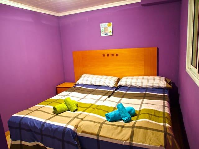 rent a room in a beautiful villa - Barrio Los Menores - Villa