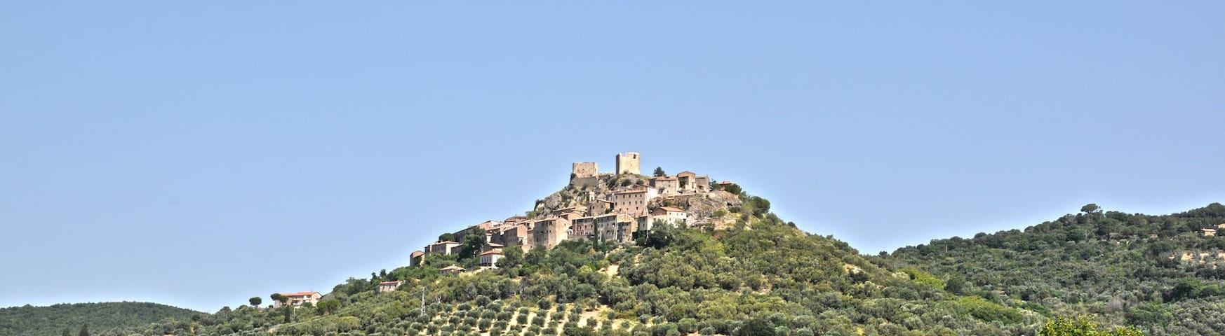 Montemassi - balcone della Maremma - Province of Grosseto - Hus