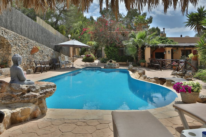 Fantastic Country House with Pool, Wi-Fi, Garden and Sea View