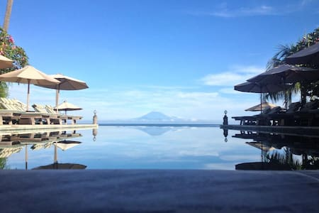 Welcome to sunny Lombok to our private Ocean Villa - Mataram Sub-District