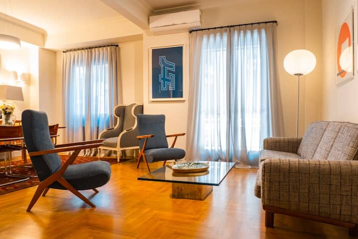 Chic apartment  in the heart of Athens.