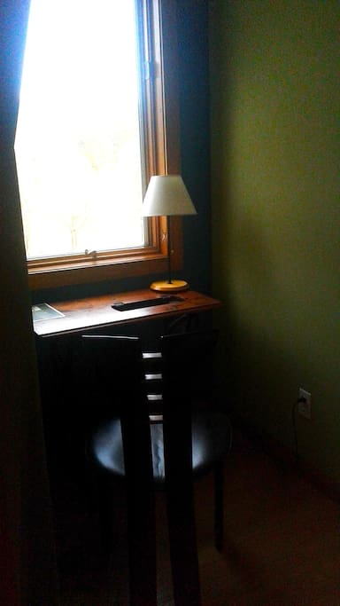 Writing nook in dormer