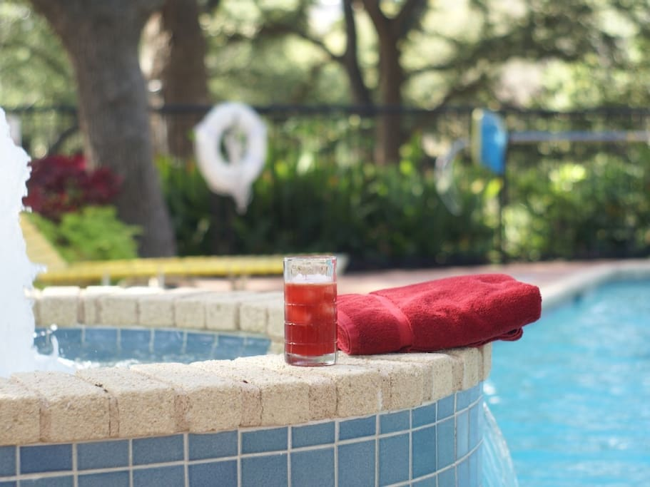 This pool is covered by a canopy of old Live Oak trees...great place to relax and read a book