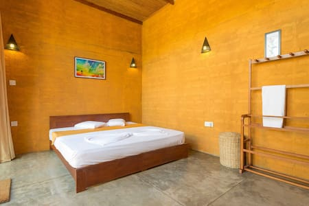Getaway from Airport Villa & Pool - wadduwa