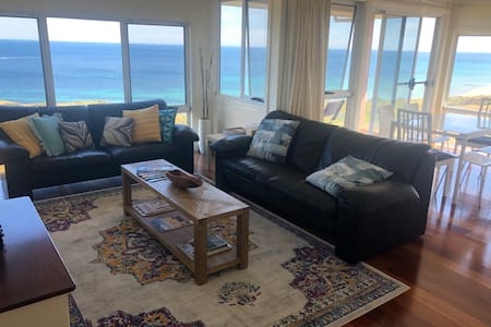 Beachside Moana home with amazing views