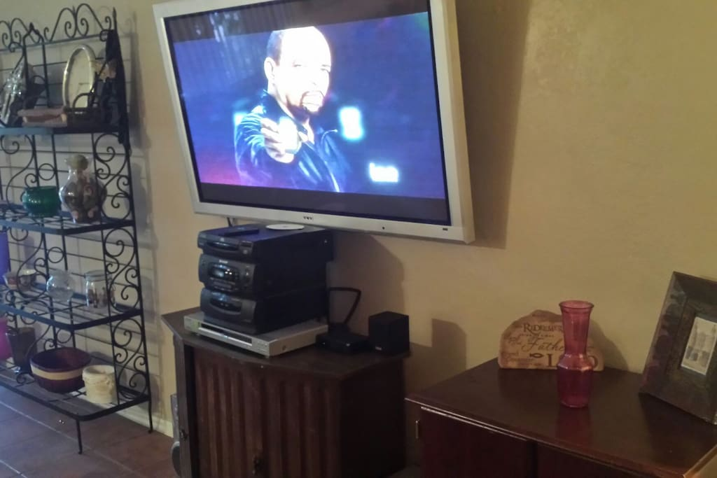 50 inch television set DVD player and stereo Entertainment System