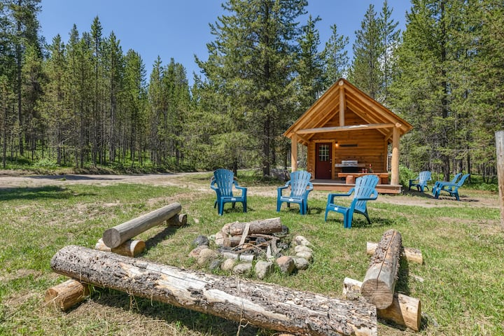 KABINO: Secluded Area! Yellowstone, Fishing, Mountain Trails! Fire Pit!