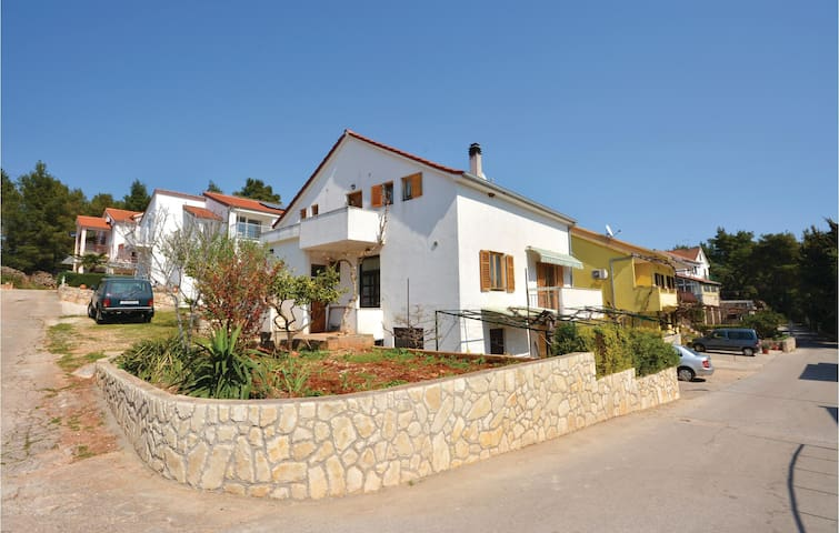 Holiday apartment with 1 bedroom on 32m² in Vrboska