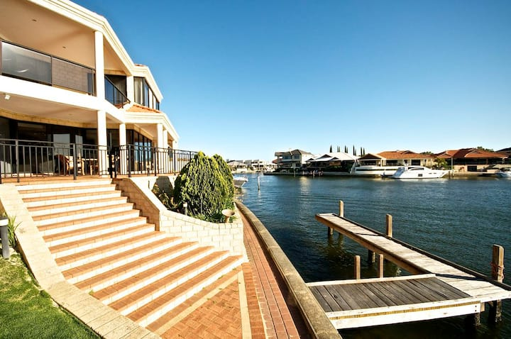 Canal front home with private jetty