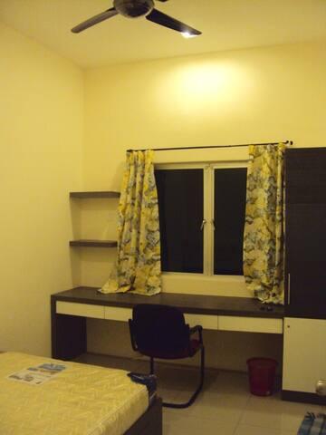 Cozy medium room in Bercham / Ipoh Garden East