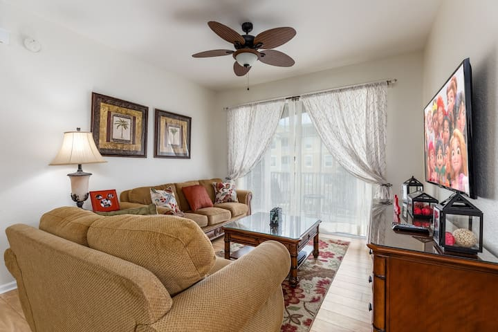 Plush accommodations in this spacious and luxurious condo
