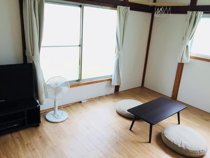 《203》【安い】【清潔】【便利な立地】【ペットOK】Kawamura Apartment