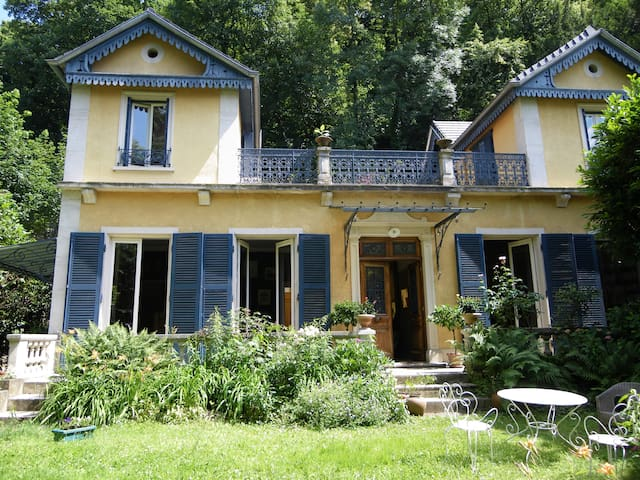 La maison bleue - Caluire-et-Cuire - House