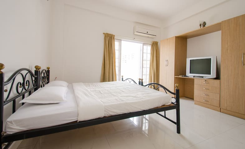Lovely, big, Dx, ORR, Prkg - Bangalore - Bed & Breakfast