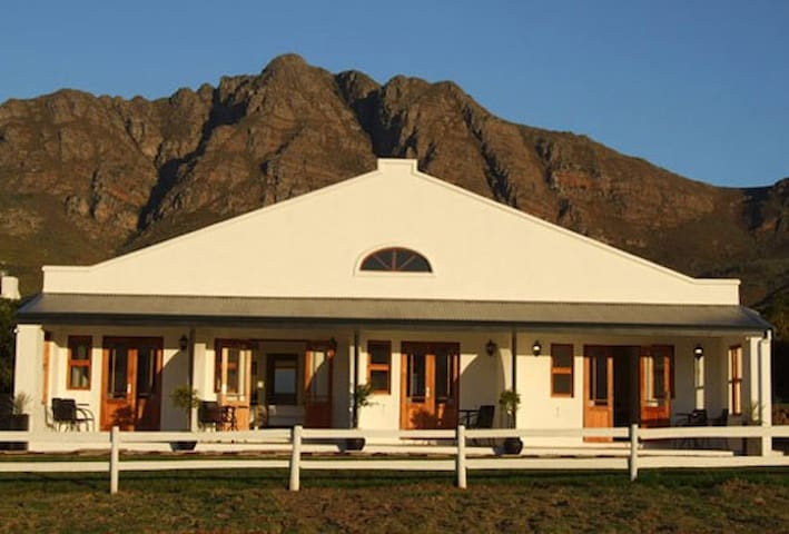 Raptor Rise - Double rooms - Tulbagh - Outro