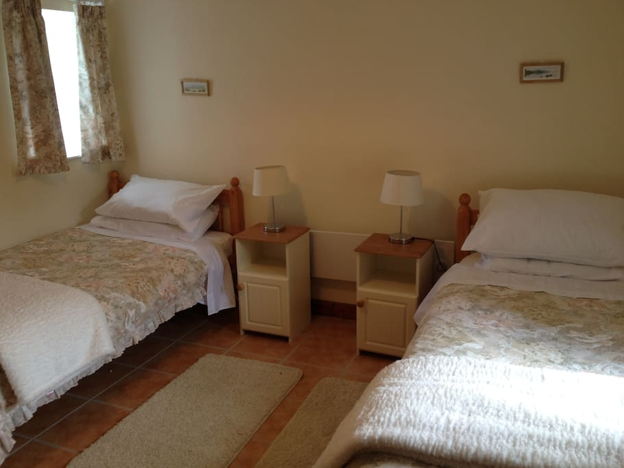 Twin room - with lovely electric blankets  - extra cosy