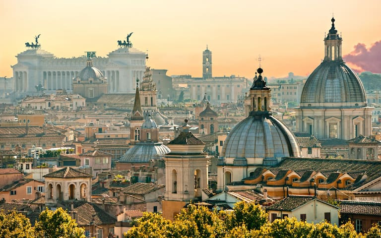 40% off - *Private Room in the Center of Rome*