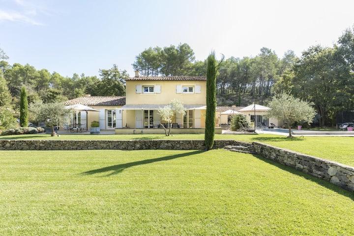 Very quiet Villa in South LUBERON