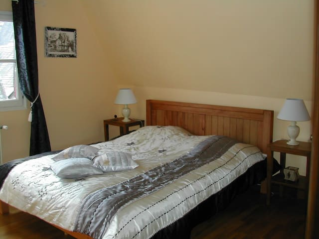 Chambres d'hôtes Colombages - Tours - Bed & Breakfast