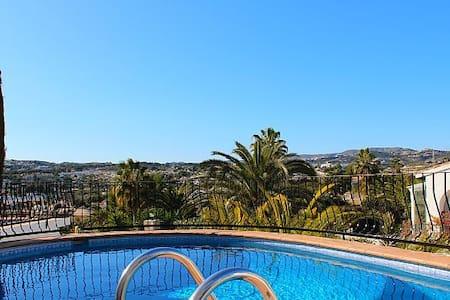 2 bed villa own pool close centre - Moraira