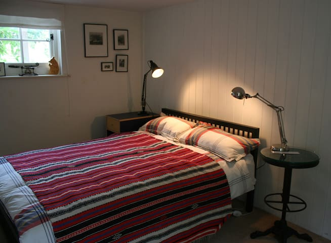 Cosy bedroom with en suite - Hitchin - Bed & Breakfast