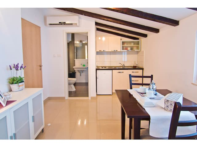 "City center apartment "" Gaby 1"""