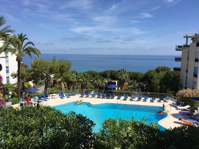 Engadina House - Sea view and swimming pool