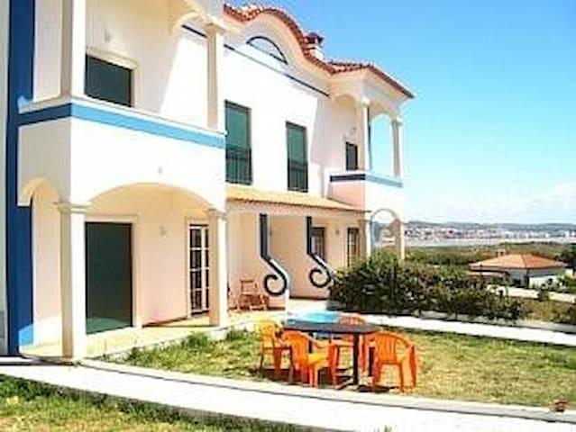 Two bedroom ground floor. Sea views - Salir do Porto - House