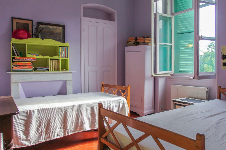 Chambre glycine / Room#4, 2 lits de 1 personne