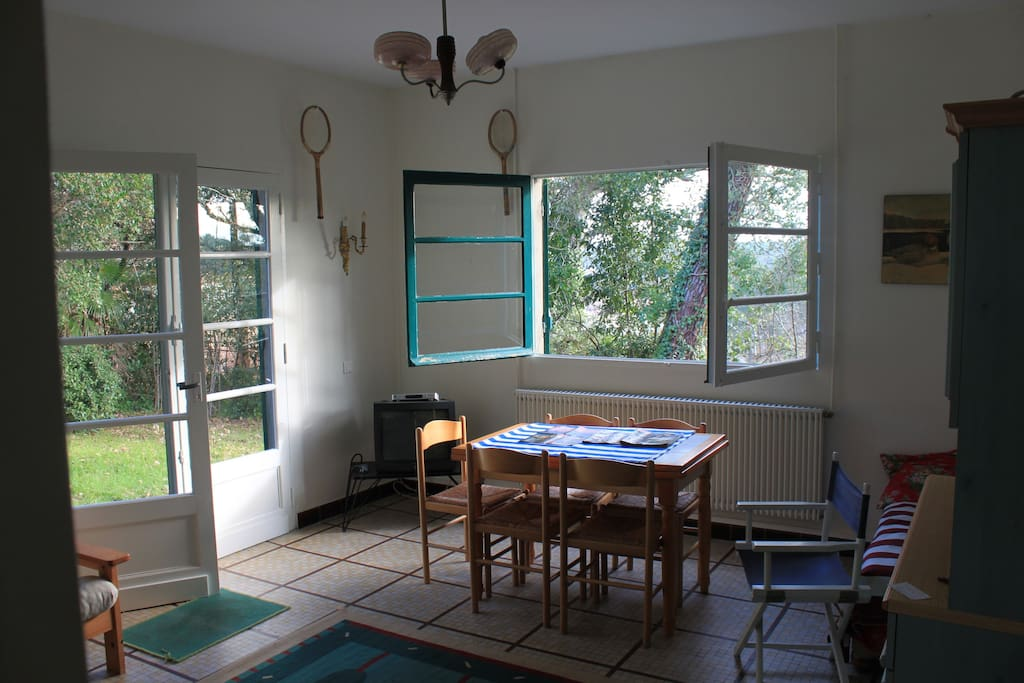 Salon sur terrasse et jardin