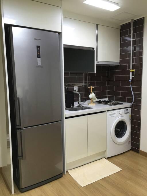 冰箱、洗衣機、廚房