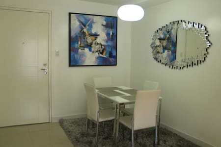 Modern and homey apartment next to Terminal 3 - Pasay - Apartment