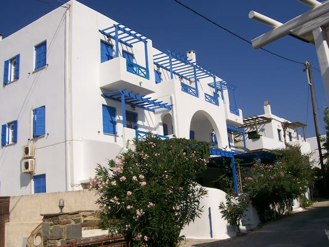 Apartment #3 with beautiful view in Laouti, Tinos - Laouti - Wohnung
